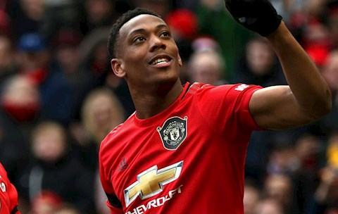 Anthony Martial came from France, English press said he had no chance $50 million down the drain Tony Martial scores again.